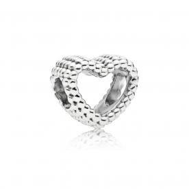 Gyöngyös szív ezüst charm